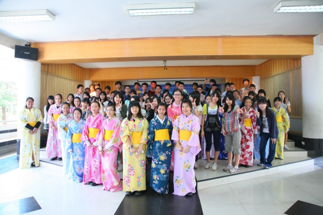 Thai Japanese cultural exchange students varee school Thailand